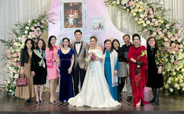 Con gái Thanh Lam liên tục lau nước mắt khi được dàn diva, divo hát tặng trong đám cưới