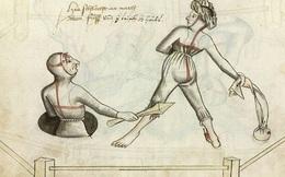 """Hôn nhân bất hòa thì giải quyết thế nào cho êm ấm? Xem cách vợ chồng đấu tay đôi """"1 sống 1 còn"""" của người Trung cổ chị em chắc không dám cãi nhau nữa!"""