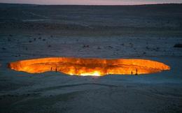 """Câu chuyện về """"cổng địa ngục"""" khổng lồ rực lửa suốt 50 năm: Khai mở chỉ vì một sai lầm không thể cứu vãn của con người"""