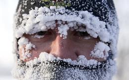 7 ngày qua ảnh: Băng tuyết phủ kín mặt người dân tại thành phố ở Nga