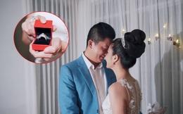 Chị gái mang nhẫn kim cương nửa tỷ đồng cầu hôn chồng sau 8 năm kết hôn