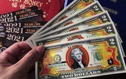 """Đón tết Tân Sửu, """"sốt sình sịch"""" với tiền lì xì 2 USD in hình con trâu"""