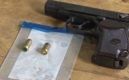 Bắt đối tượng giải quyết mâu thuẫn bằng súng