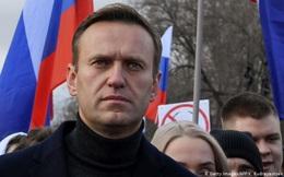 """Tổ chức của Navalny viết thư """"nhờ"""" TT Mỹ trừng phạt những người thân cận với ông Putin"""