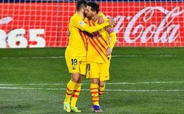 """Man City """"vùi dập"""" Chelsea bằng ngón đòn lạ; Messi giải cứu Barcelona trong ngày tái xuất"""