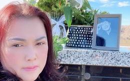 Xúc động hình ảnh Phương Loan đến thăm nơi an nghỉ của chồng - cố nghệ sĩ Chí Tài dịp đầu năm