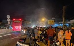Xe máy bốc cháy, nạn nhân lìa chân sau tai nạn với ôtô trên Quốc lộ 1