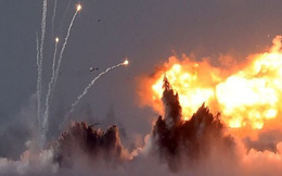 """Đòn cảm tử từ """"pháo đài bay"""" B-52 từng phá nát lá chắn S-300 của Nga?"""