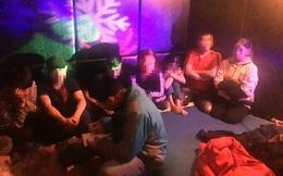 7 cô gái 'thác loạn' ma tuý xuyên đêm cùng hàng chục bạn nam