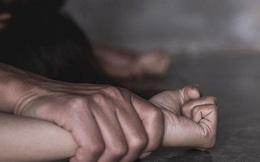 Hai mẹ con bị cưỡng hiếp ngay trên đường, hành động của nhân chứng càng khiến công chúng phẫn nộ