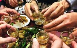 GĐ Trung tâm Chống độc: 2 cách uống rượu khoẻ mấy cũng có thể tử vong, đàn ông Việt đang mắc cả 2