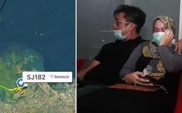 """Máy bay Indonesia rơi: Ngư dân nghe thấy """"2 tiếng nổ lớn"""" - Đã vớt được vật nghi là cầu phao thoát hiểm"""