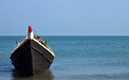 Gần 1 tháng lênh đênh trên biển, 2 thanh niên vẫn sống sót ngon ơ nhờ 3 thứ, ai nghe xong cũng nể