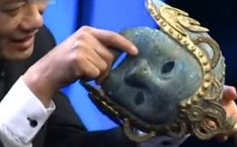 Chàng trai đeo chiếc mặt nạ đi kiểm định, chuyên gia vừa nhìn thấy đã hét lên: To gan quá, lập tức tháo ngay!