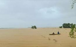 Hà Tĩnh - Quảng Bình: Nước lũ bủa vây, đã có 4 người chết và mất tích