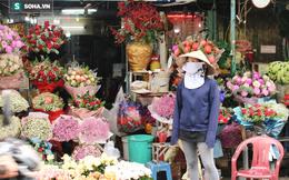 Tiểu thương chợ hoa ở TP.HCM: 'Tôi chưa bao giờ bó nhiều hoa tang đến thế, chỉ mong mất mát nguôi ngoai'