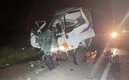 2 người chết kẹt trong cabin xe tải sau cú tông mạnh xe đầu kéo