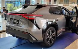 CEO Toyota đưa ra con số sốc về thảm họa khi toàn thị trường đổi sang xe điện