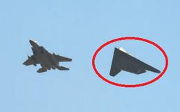 """15 năm nằm kho, máy bay Mỹ bất ngờ """"biến hình"""" thành tên lửa: Đòn hiểm chống Nga-Trung?"""