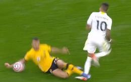 Sao Wolves chỉ nhận thẻ vàng dù vào bóng ghê rợn khiến chân tuyển thủ Brazil bẻ gập