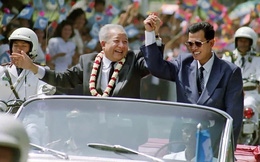 Ông Hun Sen bí mật vào toilet mặc áo chống đạn trong ngày lịch sử; TQ báo tin xấu nhất trong 1 tháng