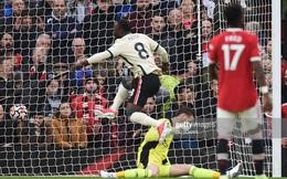TRỰC TIẾP Man United 0-5 Liverpool: Salah lập hat-trick, Sir Alex ngỡ ngàng trên khán đài