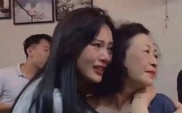 """Phương Oanh oà khóc khi xem tập cuối """"Hương vị tình thân"""""""
