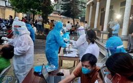 Xuất hiện ổ dịch phức tạp, Bắc Giang tăng cường test COVID-19 với người ngoại tỉnh