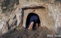 Tên trộm 'lẫy lừng' đào 3 ngôi mộ trong 3 đêm nhưng vẫn về tay không, dân mạng Trung Quốc mỉa mai: Cậu chưa bao giờ đọc báo à?