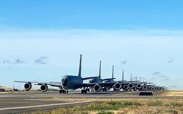 20 máy bay tiếp dầu KC-135 của không quân Mỹ đồng loạt cất cánh