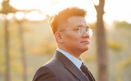 """Trước khi bị bắt, """"cậu IT"""" Nhâm Hoàng Khang nổi tiếng kiếm tiền cực dị"""