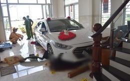 Nữ tài xế lái ôtô đi rửa tông thẳng vào phòng khách, chủ nhà trọng thương
