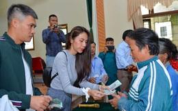 Bộ Công an đề nghị 2 huyện ở Nghệ An cung cấp thông tin về việc cứu trợ lũ lụt của ca sỹ Thủy Tiên