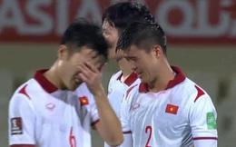 Duy Mạnh bật khóc, tuyển Việt Nam đẫm nước mắt sau trận thua đau trước Trung Quốc