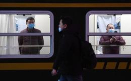 """Khẩu trang, khử khuẩn, khoảng cách: Một kỳ xuân vận chưa từng thấy tại Trung Quốc dưới """"bóng ma"""" COVID-19"""