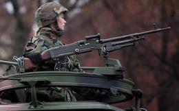 Bộ ảnh 'người đẹp trong quân đội' ở nhiều quốc gia
