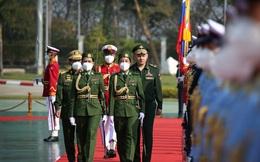 """Thời điểm """"cận kề"""" chính biến, Thống tướng Myanmar long trọng đón BTQP Nga: Thỏa thuận chuyện gì?"""