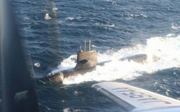 Tàu ngầm tấn công Nhật Bản đã hư hại như thế nào khi đâm vào tàu buôn có kích thước gấp 17 lần?