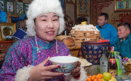 """Không phải """"an khang thịnh vượng"""" hay """"vạn sự như ý"""", đây mới là câu người Mông Cổ chúc nhau mỗi dịp Tết đến"""