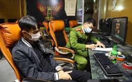Quảng Ninh: Đưa 7 thanh niên đang chơi game đi cách ly tập trung trả phí, cách ly toàn bộ gia đình chủ quán