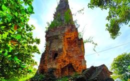 Kỳ bí ngọn tháp cổ ở miền biên viễn Nghệ An với những bức tượng lạ