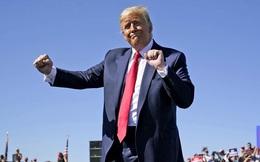 """Thoát luận tội lần 2: Ông Trump hẹn """"sẽ sớm xuất hiện"""", mang nước Mỹ vĩ đại tới cho mọi người"""