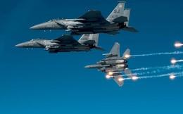 """""""Giết gà dùng dao mổ trâu"""": 400 chiếc F-35 """"làm gỏi"""" S-400 của Nga?"""