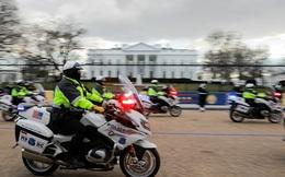 Người phụ nữ U70 mang súng áp sát Nhà Trắng, nói 'muốn gửi thư cho ông Biden'