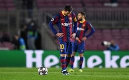 """Messi bất lực nhìn Barca tan nát dưới chân Mbappe; Liverpool được """"biếu không"""" chiến thắng"""