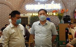 Trong đêm, lãnh đạo TP HCM bất ngờ thị sát phòng dịch Covid-19 tại quán ăn