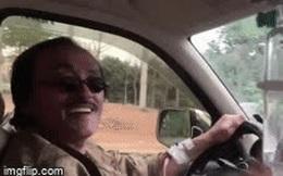 Clip: NS Giang Còi gây hoang mang khi lái xe trong lúc truyền nước, hé lộ tình trạng sức khoẻ sau chia sẻ bị ung thư