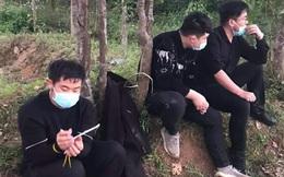 Nhóm người Trung Quốc ngồi xe ô tô 7 chỗ nhập cảnh trái phép bỏ chạy tán loạn khi thấy công an