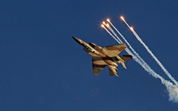 """Syria: Bom Israel """"nổ rung tai"""", quân Iran tiêu hao: Nga """"vặn sườn"""" thành công"""