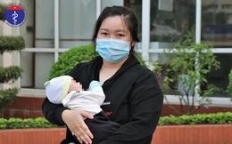 Bé 24 ngày tuổi nhiễm biến chủng lây lan nhanh, mẹ chăm sóc con không bị lây chéo: Công thức tránh lây dành cho mọi người